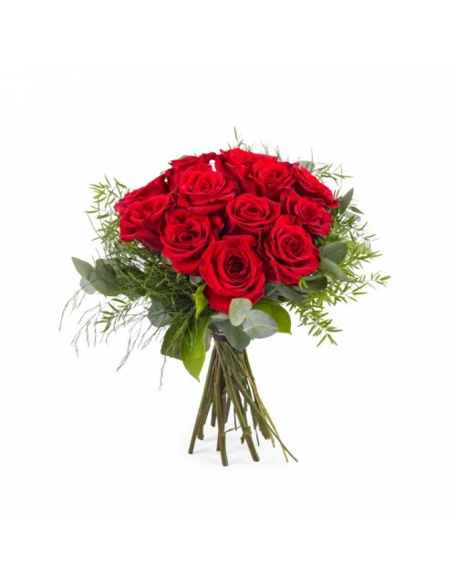 Ramo 12 rosas tallo corto.